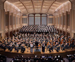 Win a ticket for you and a loved one to the Abu Dhabi Festival to see world famous baritone Sir Simon Keenlyside and The Cleveland Orchestra conducted by Music Director Franz Welser-Möst!
