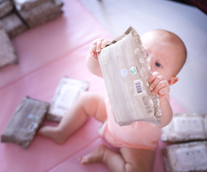 Win three months supply of eco-friendly VELVAER babywet wipes!